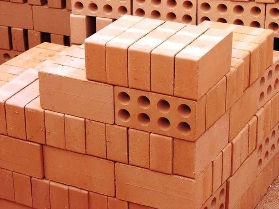 Блоки кирпичей. Символично - постройка бизнеса блоками кирпичей